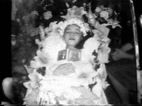 сестра после смерти мамы украла её сберкнижку одежду для куклы