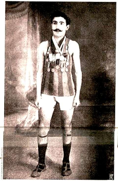 Франциско Лазаро, бегун, 21 год