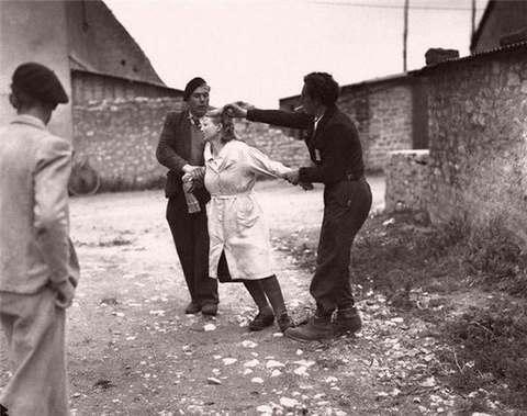 осмотр девушек в концлагере