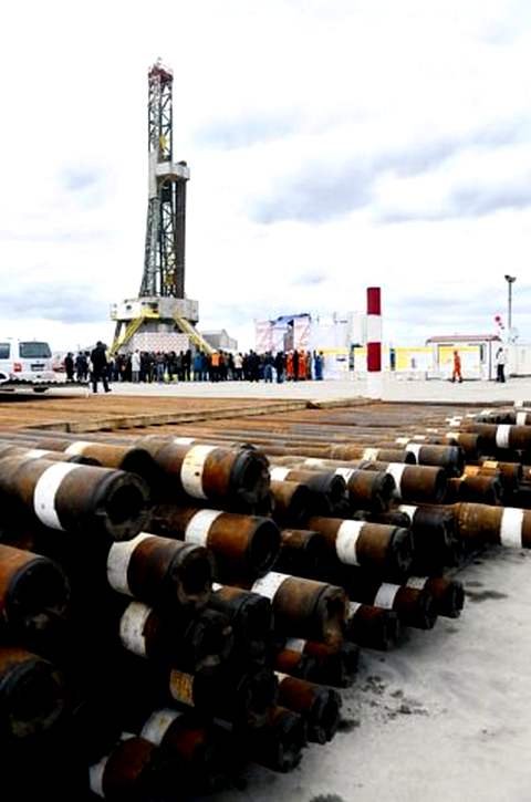 Первая скважина. В октябре 2012 года украинское подразделение нефтегазовой корпорации Shell начало поиски нетрадиционного газа в Харьковской области
