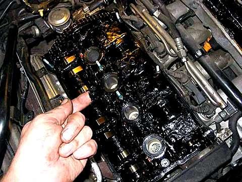 Зачем вообще двигателю масло