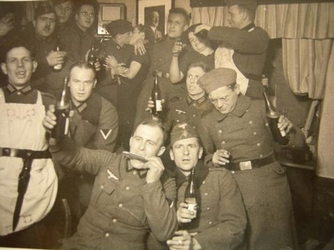 Трах немецких солдат во время войны