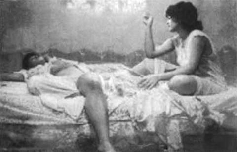 Проститутки после трудовой ночи
