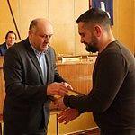 Політжульмани: як депутат ВР від БПП Юрчишин роздавав гроші та фейкові грамоти