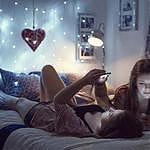 Зачем подростки снимают домашнее порно со своим участием и продают его во «ВКонтакте»