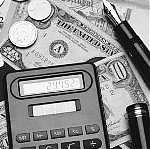 Скільки і кому винні українці: борги «пересічних» та олігархів
