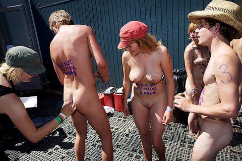 Голые девушки на рок фестивале фото 613-690