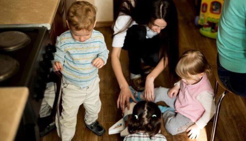 Соціальна квартира: як у Києві жінкам та дітям допомагають втекти від насильства