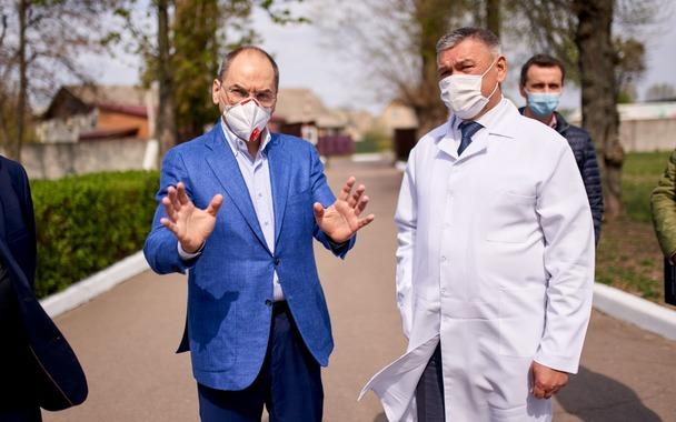 Пандемія в Україні. Тестуйся, хто як може, а уряд буде економити