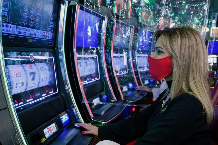 Разрешат ли игровые автоматы в украине скачать бесплатно игровые автоматы resident evil
