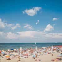 Гід відпочиваючих: у вихідні на морських курортах України море прогріється до +23° С